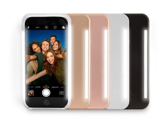 Чехол LuMee Duo для смартфона Apple iPhone стоит от $40 до $70, в зависимости от модели