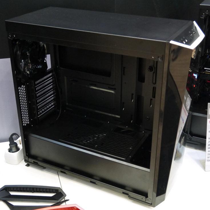 Бюджетная модель Masterbox 5 Lite