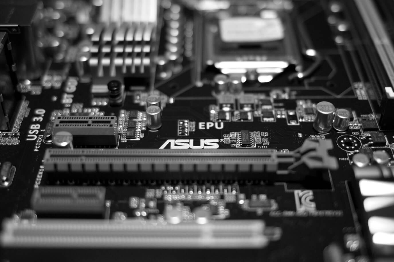 Intel запускает первый SSD с технологией 3D Xpoint - 1