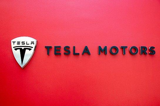 Tesla предложит инвесторам вложиться в автомобиль Model 3
