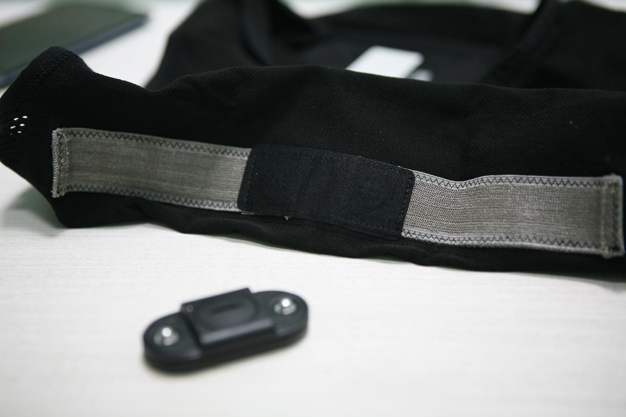 Почему с кардио-футболкой лучше, чем без нее: пару слов про умную одежду - 18