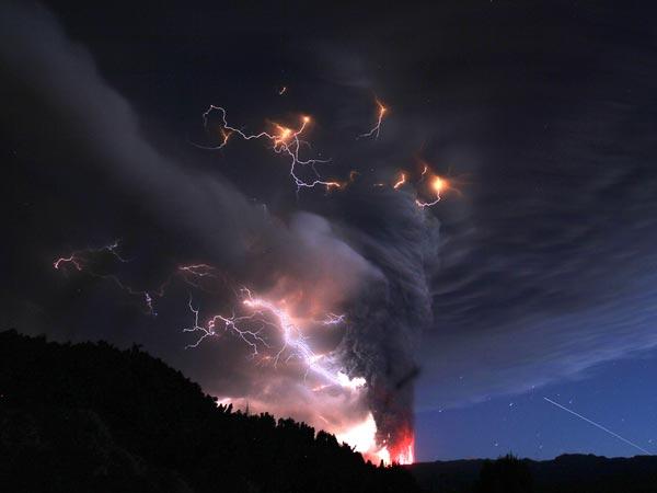 Удивительные вулканические молнии - 18