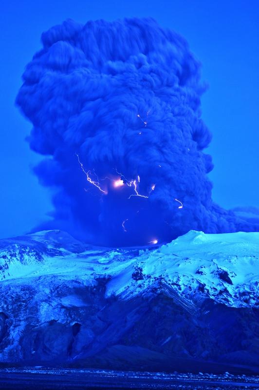 Удивительные вулканические молнии - 2