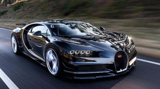 Как Bugatti Chiron разгоняется до 350 км/ч (видео)