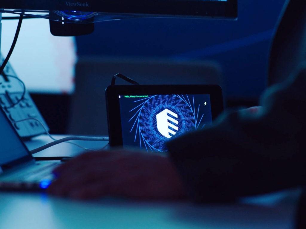 Проект выходного дня сотрудника IBM и его сына: виртуальный помощник по кибербезопасности Havyn - 1