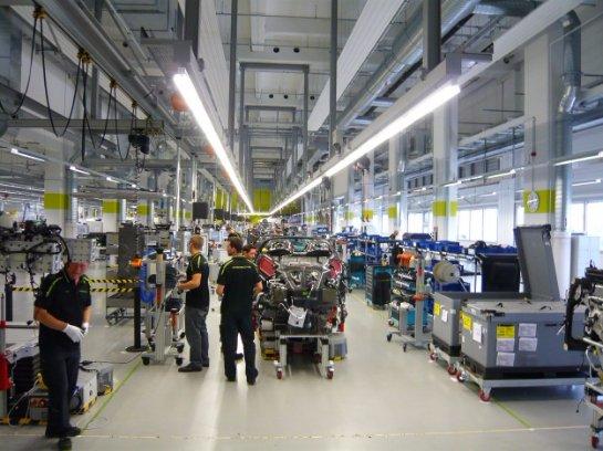 Компания Porsche выплатит сотрудникам премии в 9 111 евро