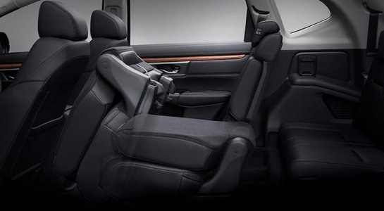 Honda опубликовала фото семиместного CR-V