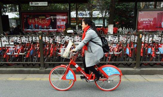 «Тысячи велосипедов валяются по городу» — как велосервисы по модели Uber изменили облик китайских городов