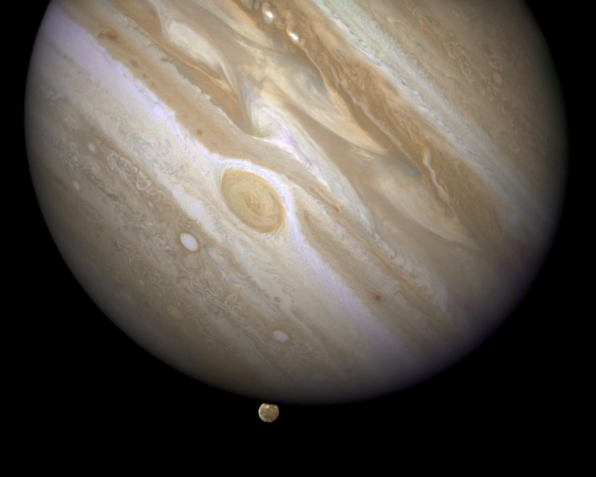 Спросите Итана: почему с Юпитером сталкивается так много объектов? - 12