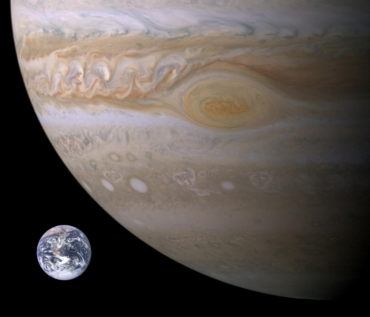 Спросите Итана: почему с Юпитером сталкивается так много объектов? - 8