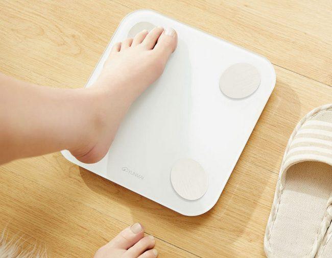 Умные напольные весы Xiaomi стоимостью $13 могут гораздо больше, чем прост измерять массу тела