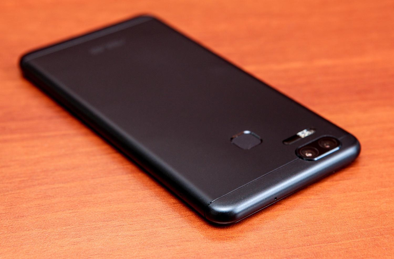 Обзор двухкамерного смартфона ASUS ZenFone 3 Zoom - 11