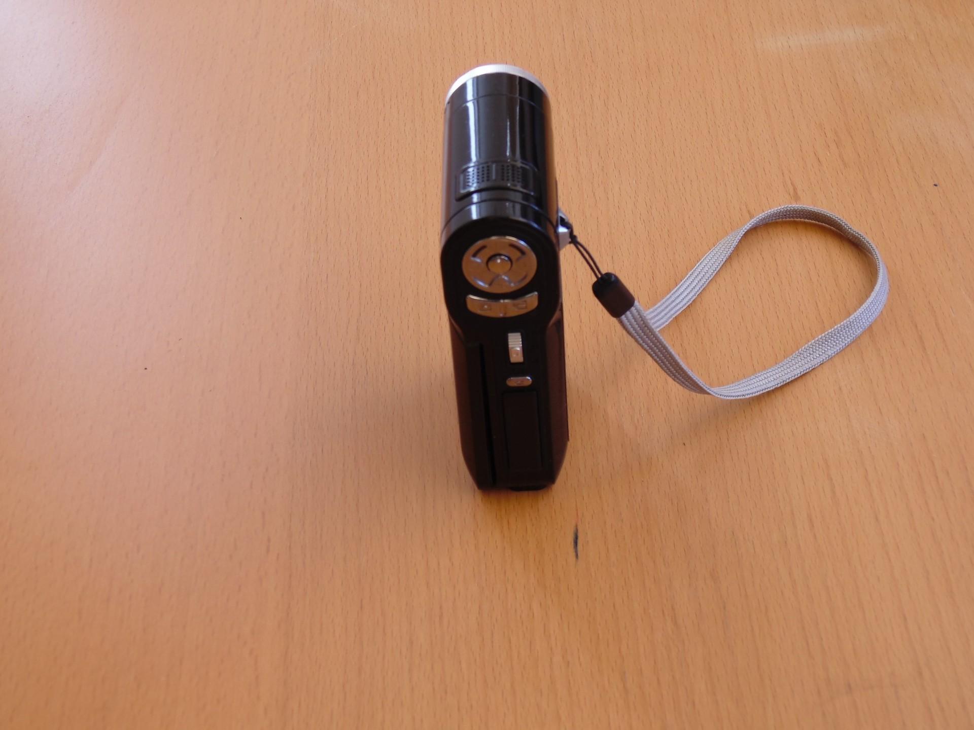 Гаджеты с барахолки: камкордер Toshiba Camileo P10 - 11
