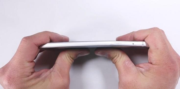 LG G6 нельзя согнуть обычным усилием