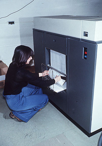 Как принтер IBM 1403 печатал в 1963 году 1100 строк в минуту? Секрет в электромагнитных молоточках - 2