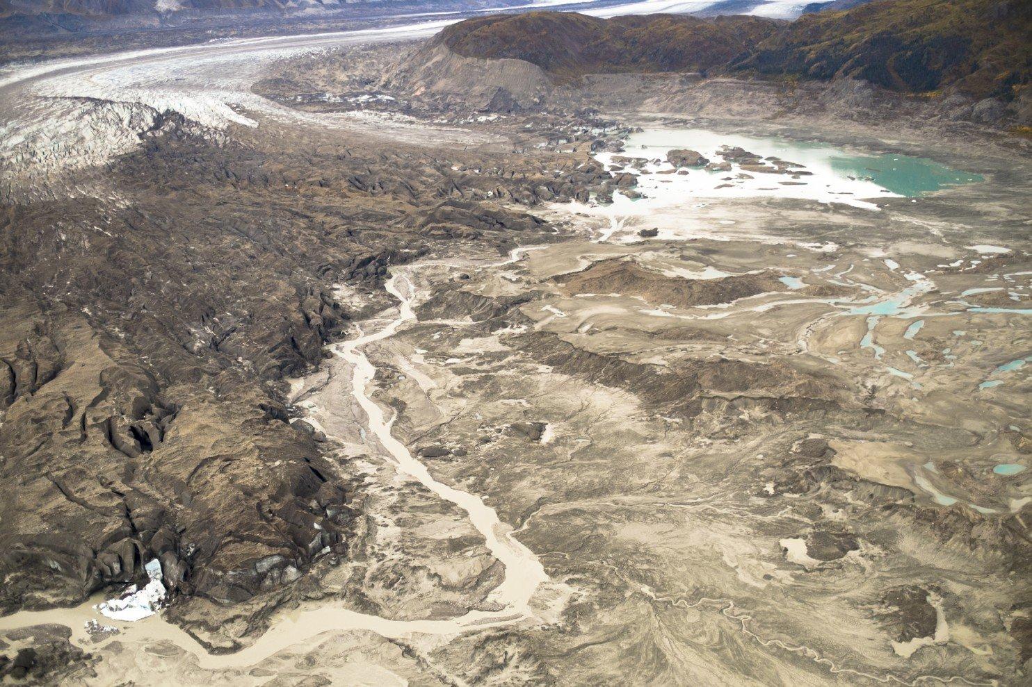 Ученые в Канаде зафиксировали изменение течения крупной реки из-за климатических изменений - 2