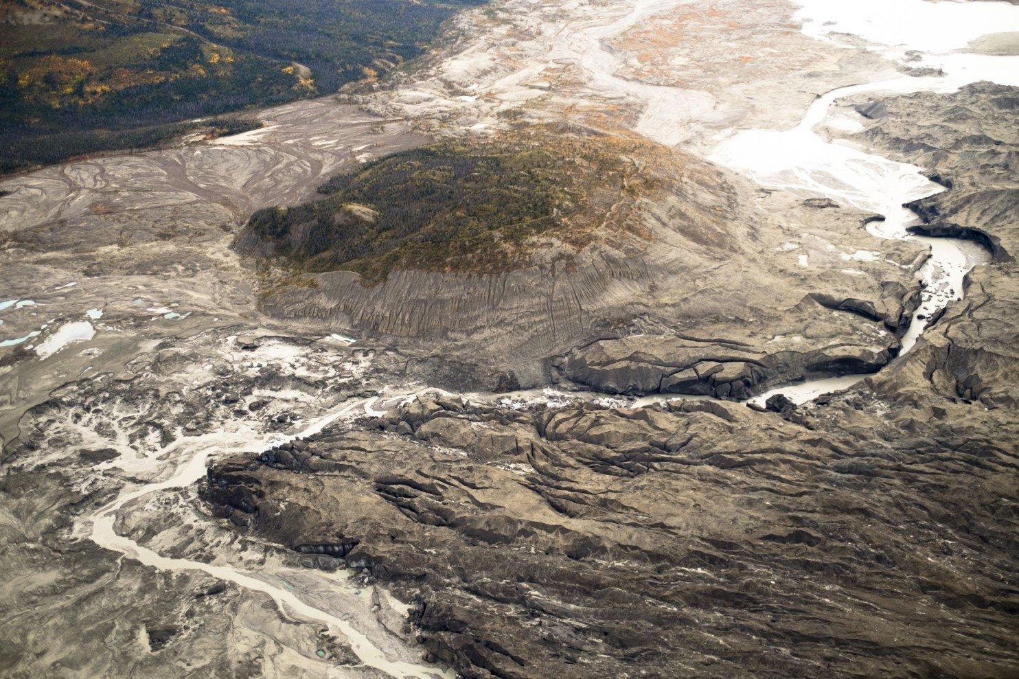Ученые в Канаде зафиксировали изменение течения крупной реки из-за климатических изменений - 3