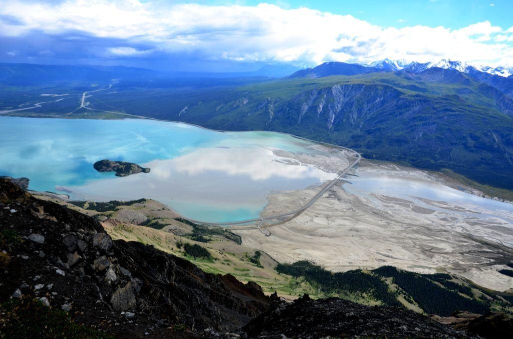 Ученые в Канаде зафиксировали изменение течения крупной реки из-за климатических изменений - 1