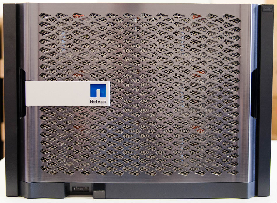 Из будней сисадмина: распаковываем NetApp FAS 9000 - 1