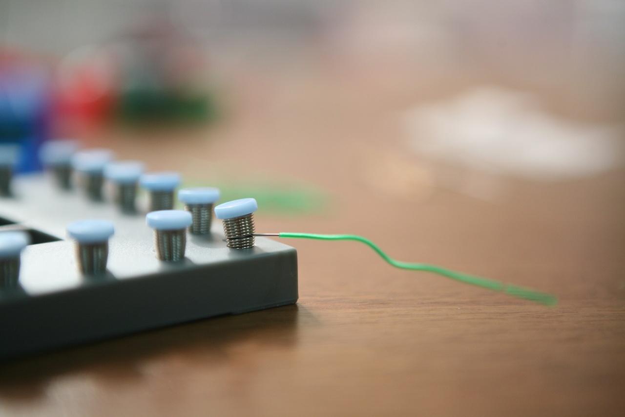 Набор «Мастерская электричества» для детей: коллекция из 22 забавных geek-фокусов - 8