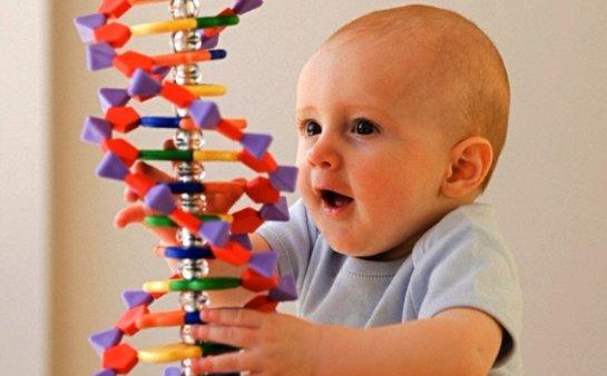 Ученые рассказали, какие черты всегда наследуются от родителей