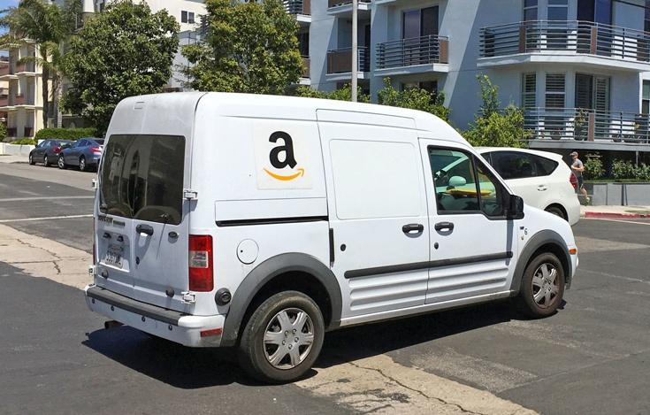 Amazon изучает возможность доставки заказов самоуправляемыми автомобилями