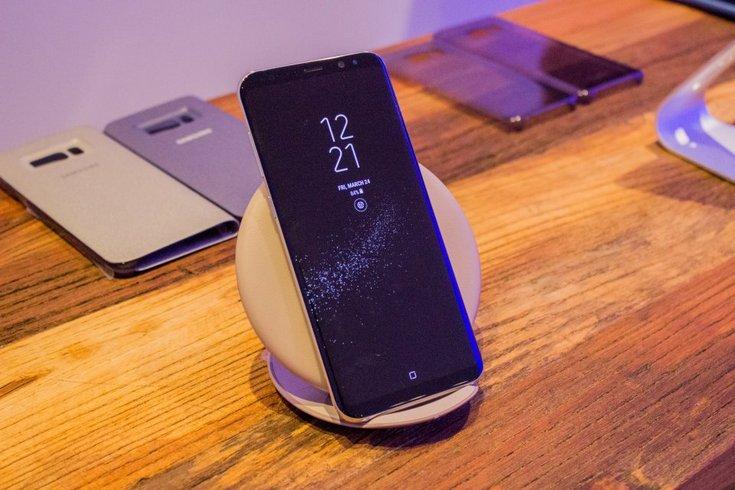 Смартфоны Samsung Galaxy S8+ могут плохо работать со старыми беспроводными ЗУ