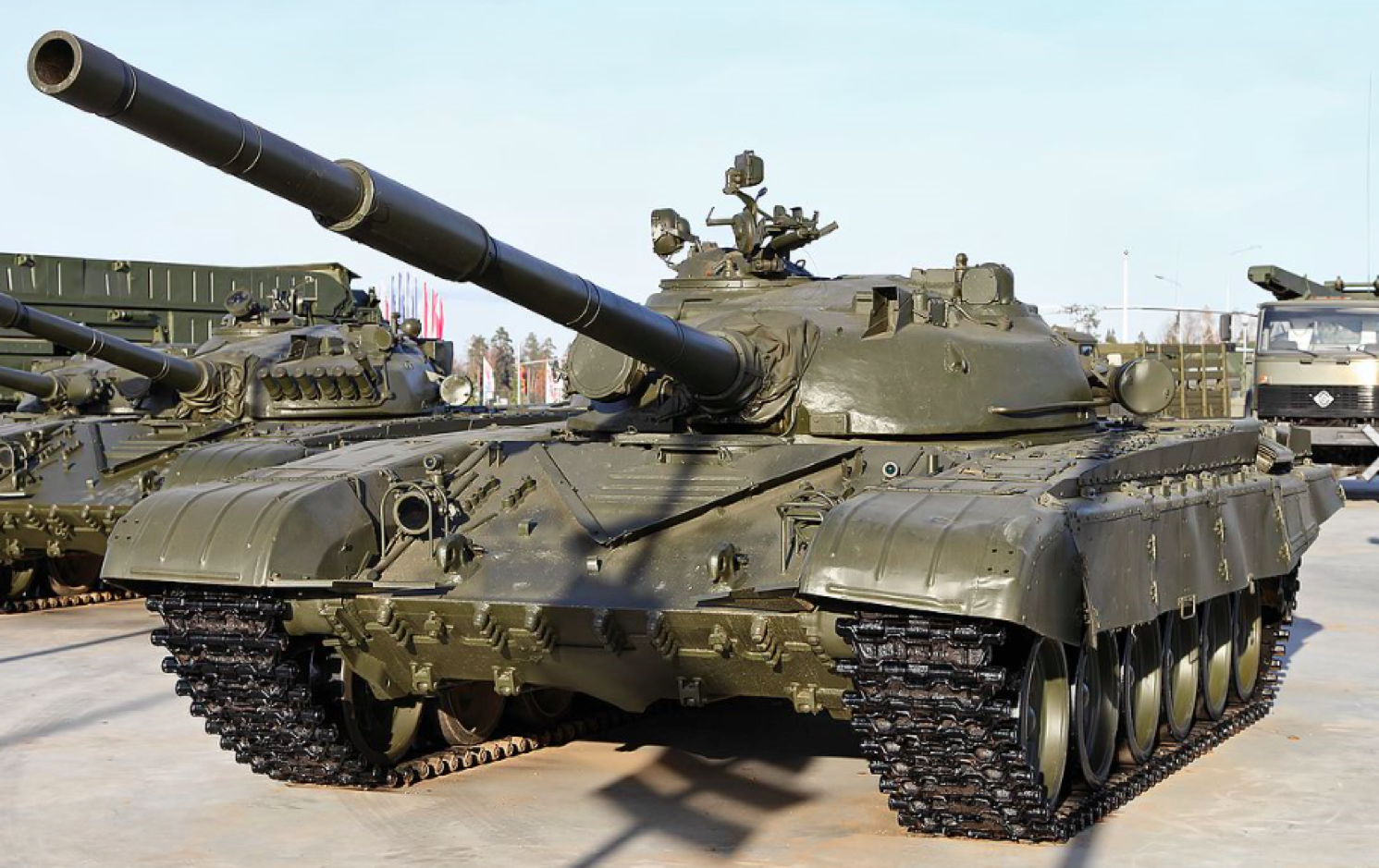 Броня крепка, и танки наши быстры - 1
