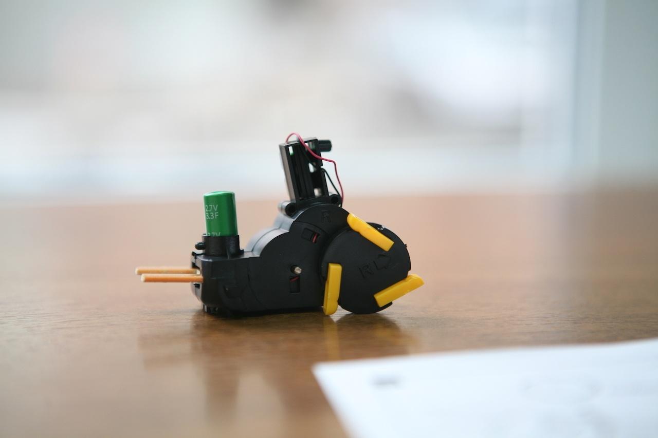 Пингвин на солнечных батареях: забавный конструктор «один в одном» - 7