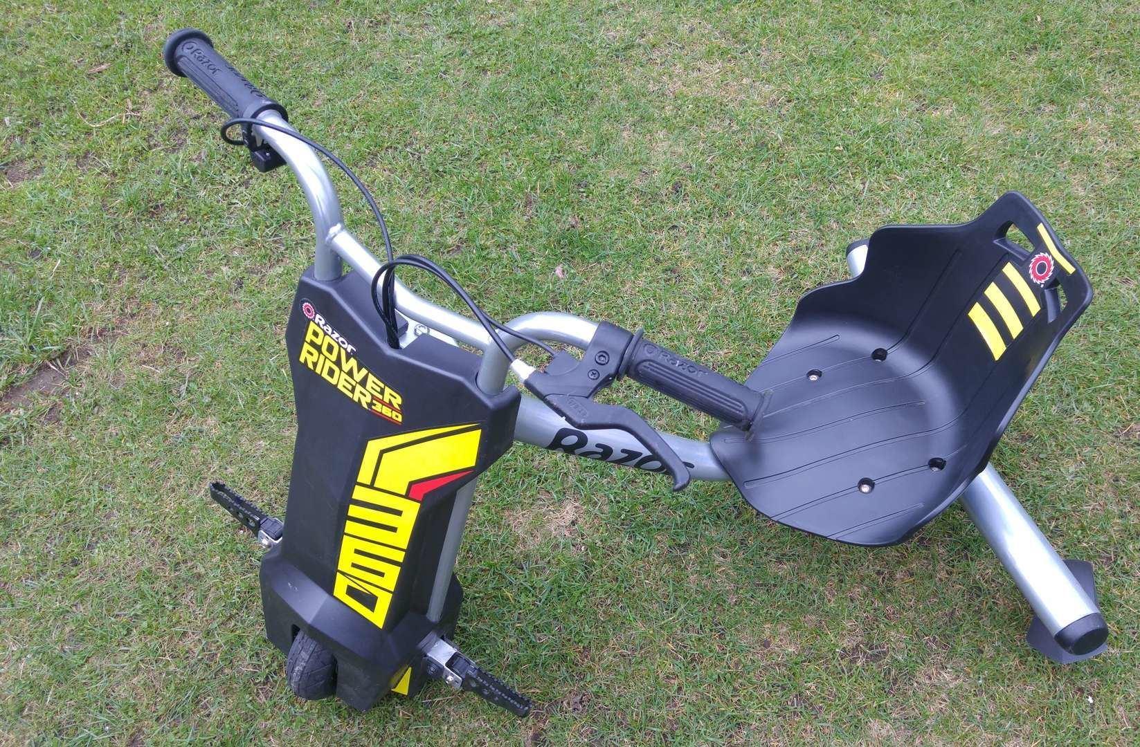 С детства на колесах: электроцикл и дрифтер от Razor для детей и подростков - 6