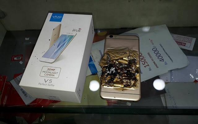 Два смартфона Vivo V5 взорвались при зарядке