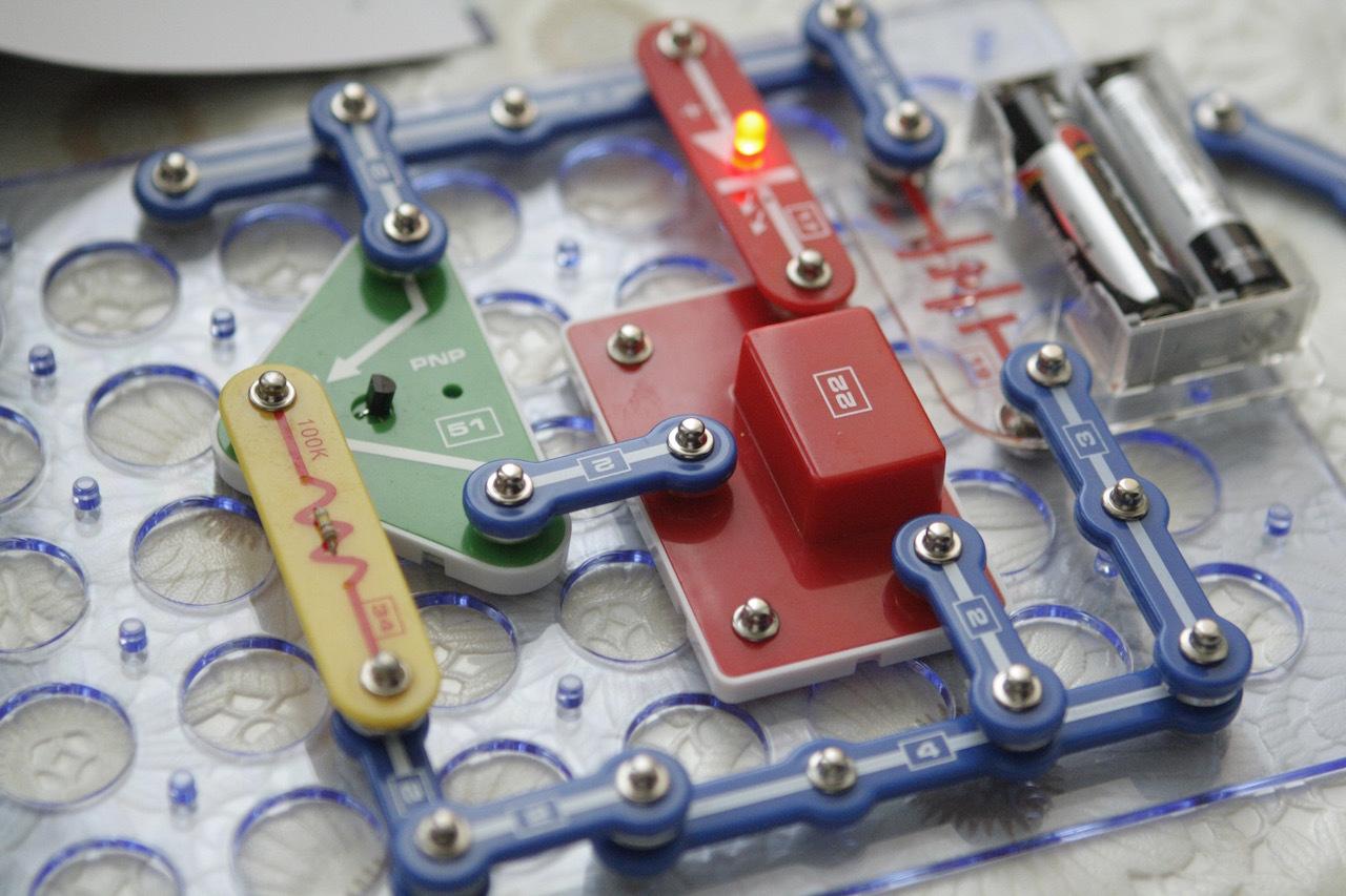 Подборка детских электронных конструкторов для первых опытов - 14