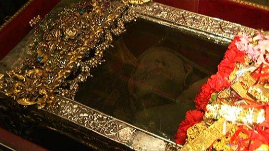 Ученые не могут понять, почему тело святого Спиридона не охлаждается