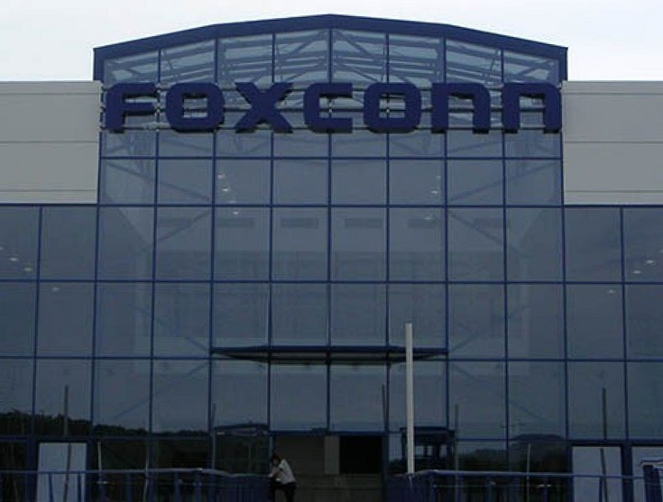 Фабрика Foxconn в США будет выпускать жидкокристаллические панели небольшого размера для встраиваемых систем интернета вещей