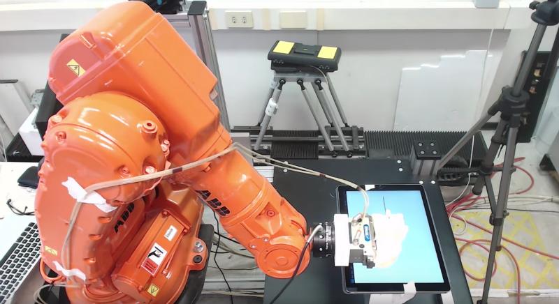 Исследователи научились атаковать промышленных роботов. Тысячи из них доступны из сети - 1