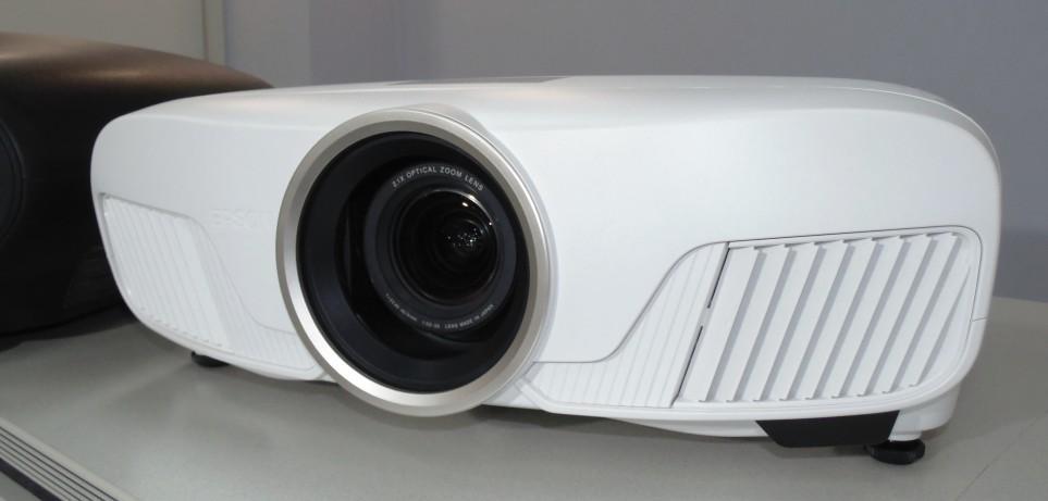 Как выбрать проектор для дома? Обзор линейки домашних проекторов Epson 2017 года - 8