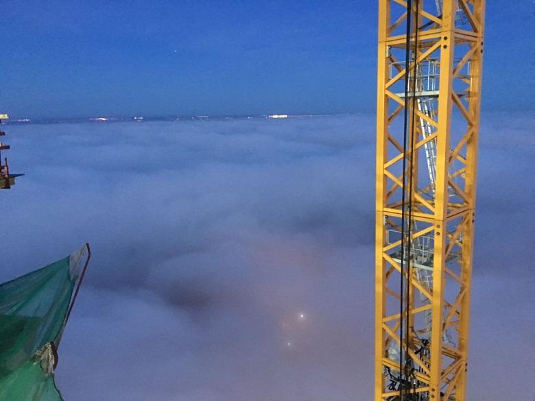 Облака с башни крана. Стройплощадка Лахта Центра