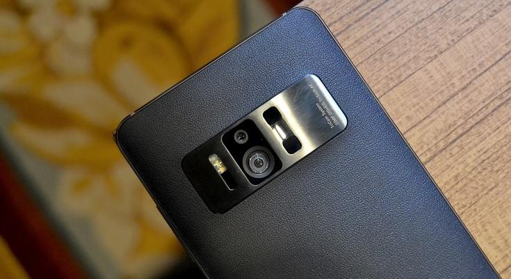 Asus ZenFone AR появится в продаже летом и только в США