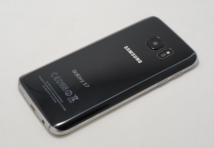 «Дайте два!» Обзор реплик Apple iPhone 7 и Samsung Galaxy S7 - 18