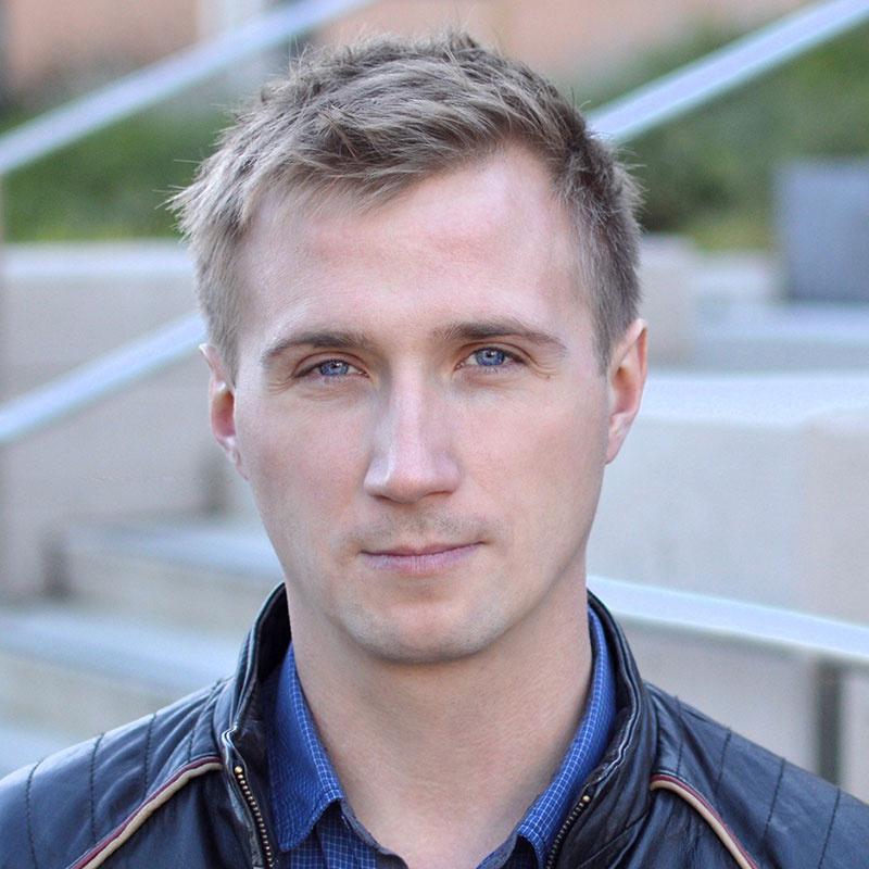 Лишенный премии за российское гражданство программист получит выплату от Mail.ru - 1