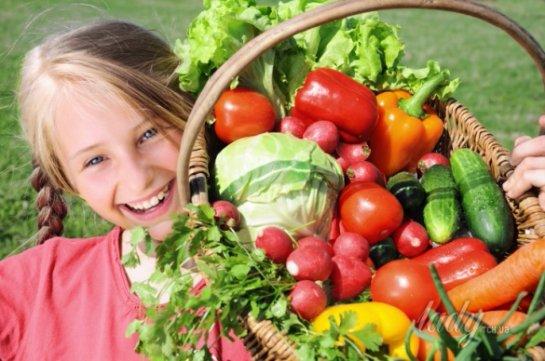 Ужин из фруктов и овощей улучшает детские мышление