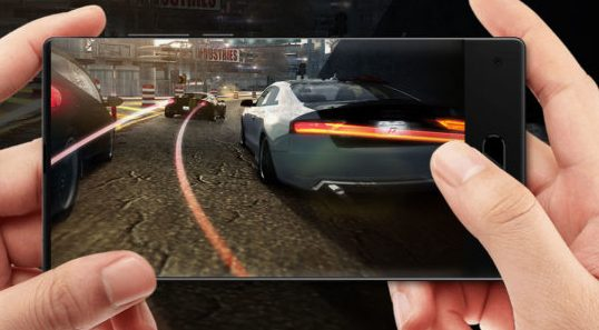 Безрамочный смартфон Maze Alpha оснащен SoC Helio P25