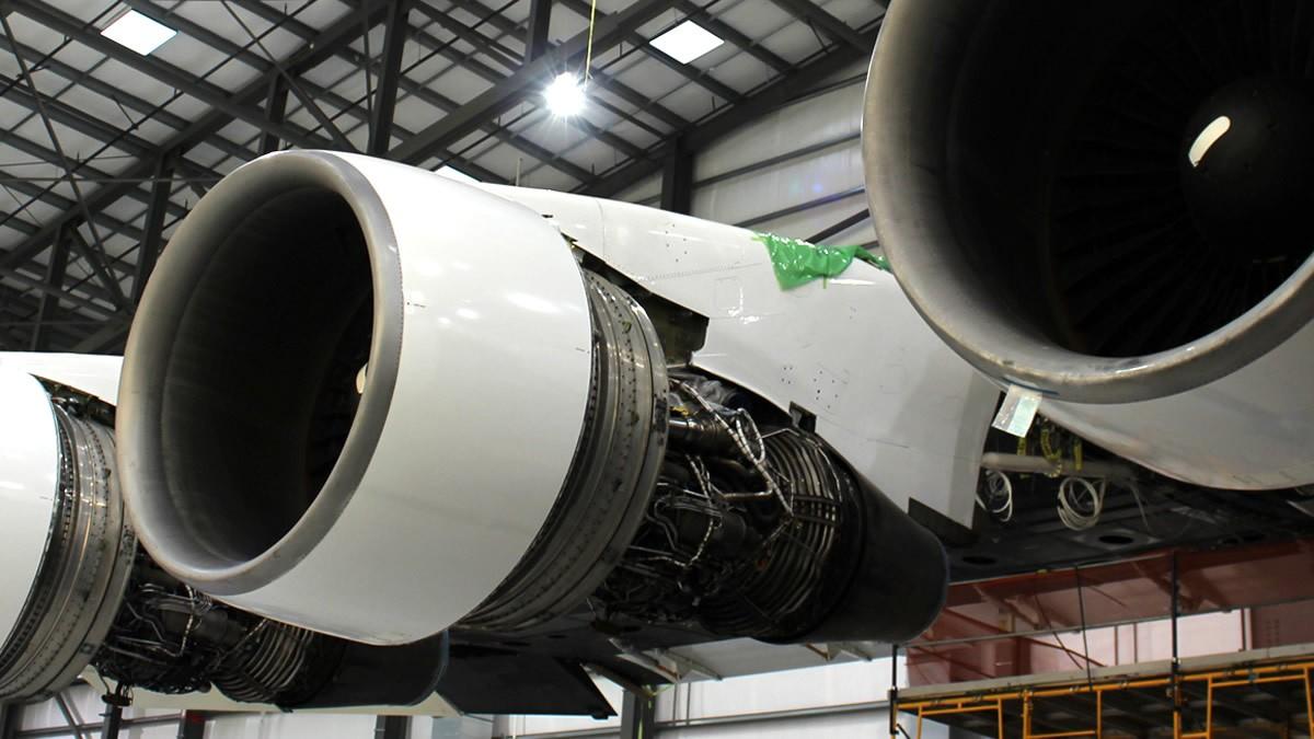 Пол Аллен впервые показал самолёт-носитель Stratolaunch для ускорения первых ступеней ракет - 8