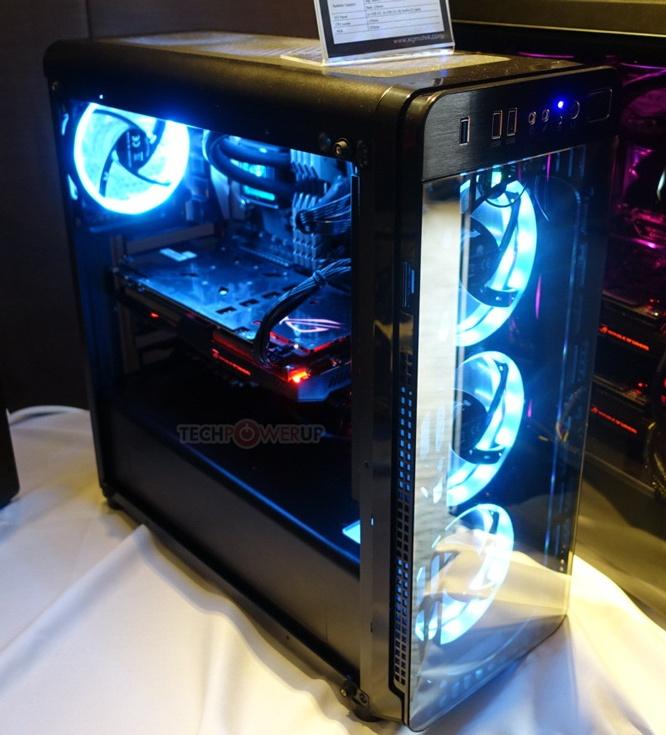 Компьютерный корпус Xigmatek Refract S1 рассчитан на системные платы типоразмера ATX