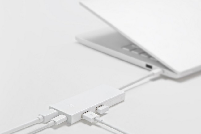 Xiaomi выпустила адаптер с разъемами Mini DisplayPort, USB-C и двумя USB-A