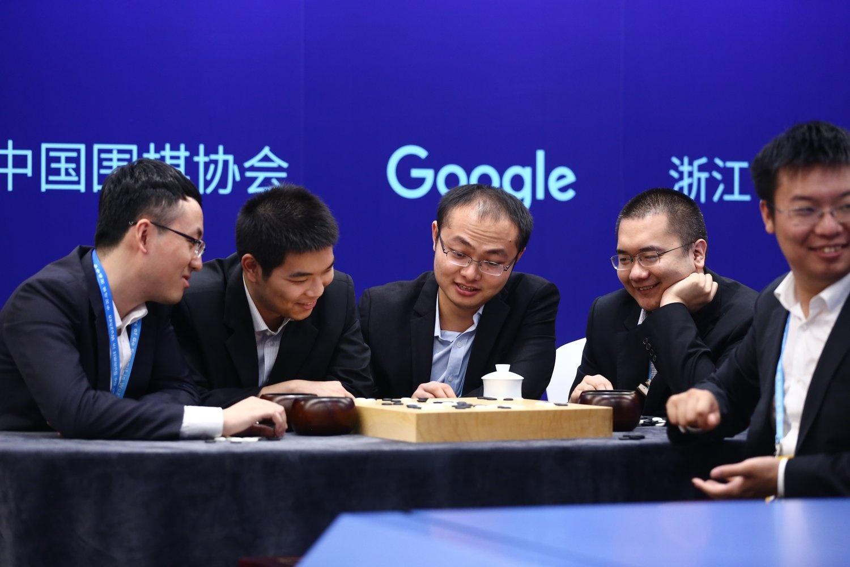 AlphaGo против Кэ Цзе: оценки профессиональных игроков в го - 8
