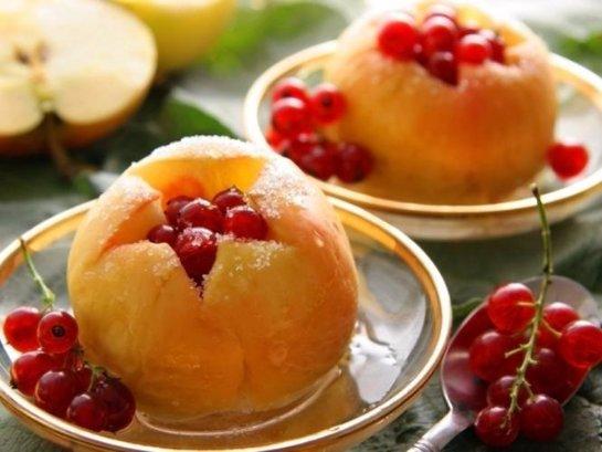 Быстро похудеть можно, употребляя запеченные яблоки