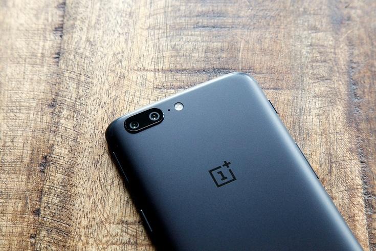 ОС смартфона OnePlus 5 завышает результаты в тестах