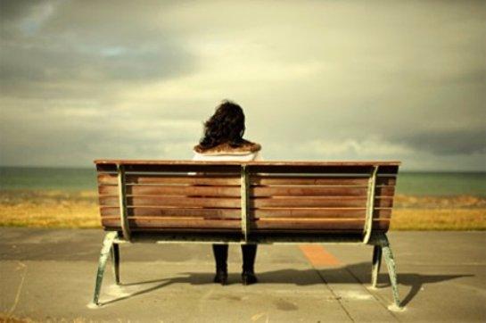 Психологи объяснили, почему люди одиноки