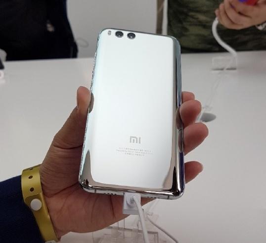 Смартфон Xiaomi Mi 6 Silver Edition вряд ли поступит в продажу
